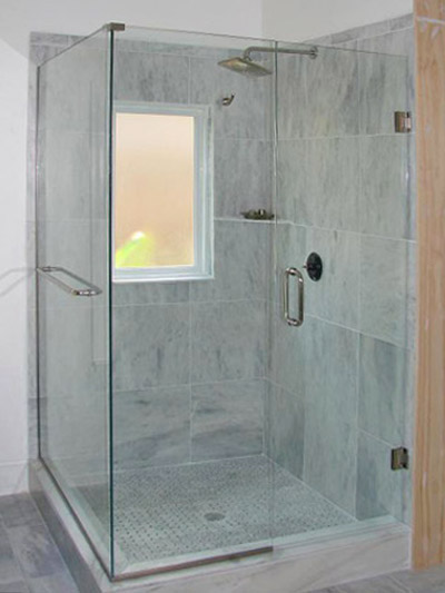 frameless shower with towel bar